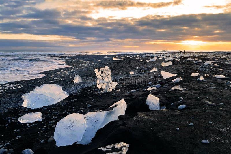 Iskvarter på Diamond Beach, Island arkivfoto