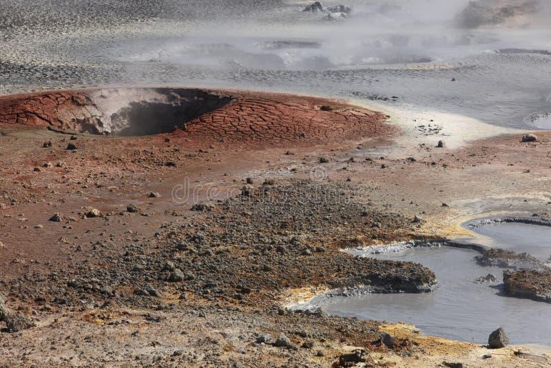 Islândia. Península de Reykjanes. Área geotérmica de Gunnuhver. fotografia de stock royalty free
