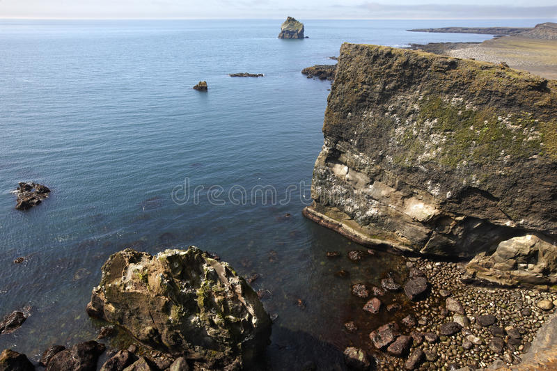 islândia Península de Reykjanes Penhascos de Gardskagi fotografia de stock