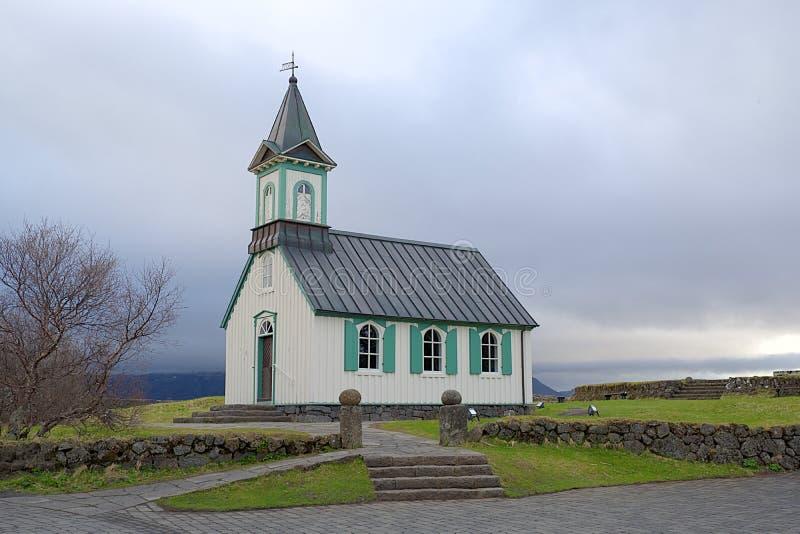 Isländskakyrka i den Thingvellir nationalparken i Island fotografering för bildbyråer