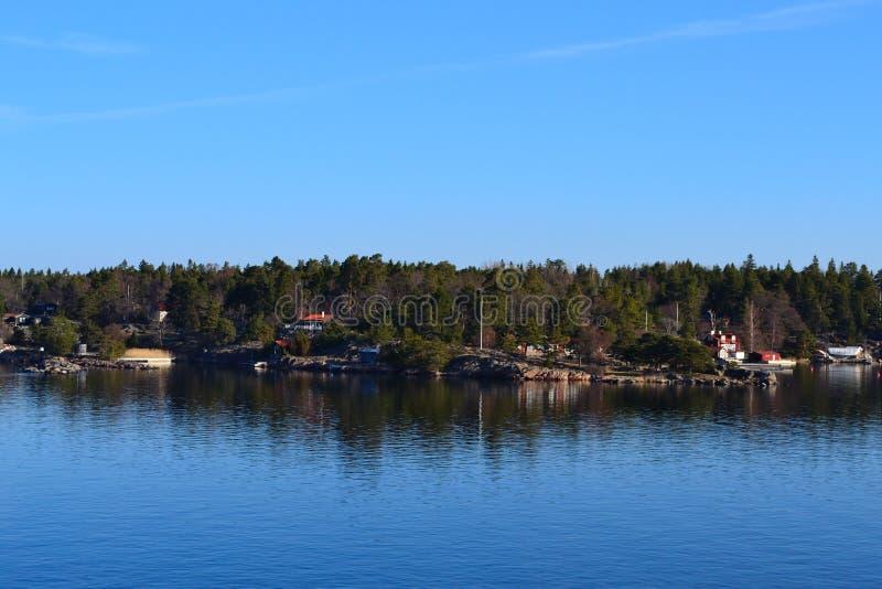 Download Isla foto de archivo. Imagen de isla, nube, verano, agua - 42441410