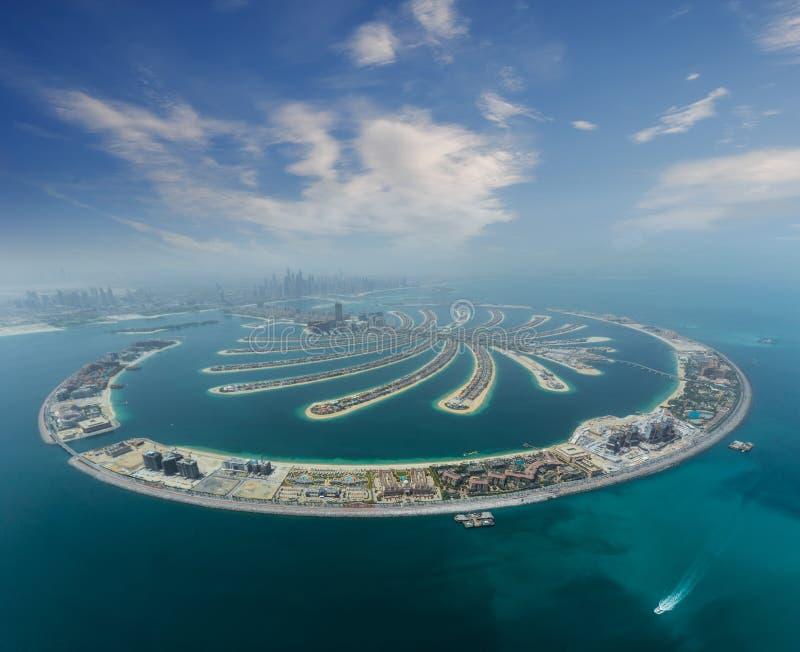 Isla artificial de la palma de Dubai del hidroavión fotos de archivo libres de regalías