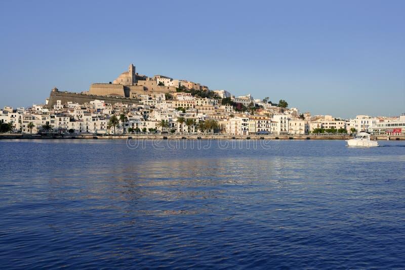 Isla blanca mediterránea balear de Ibiza en España fotografía de archivo