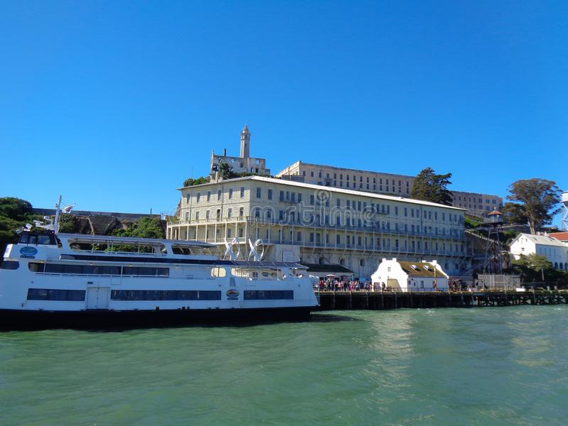 isla de alcatraz del barco imágenes de archivo libres de regalías