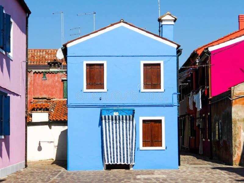Download Isla De Burano, Venecia, Italia Foto de archivo - Imagen de mediterráneo, puerta: 64204874