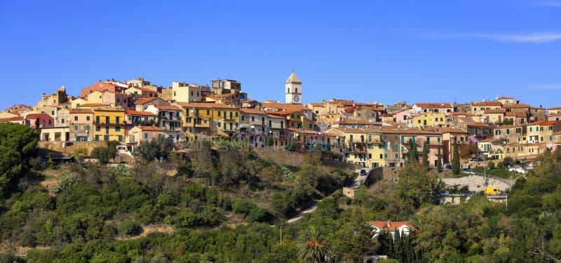 Isla de Elba, panorama del pueblo de Capoliveri Toscana Italia foto de archivo