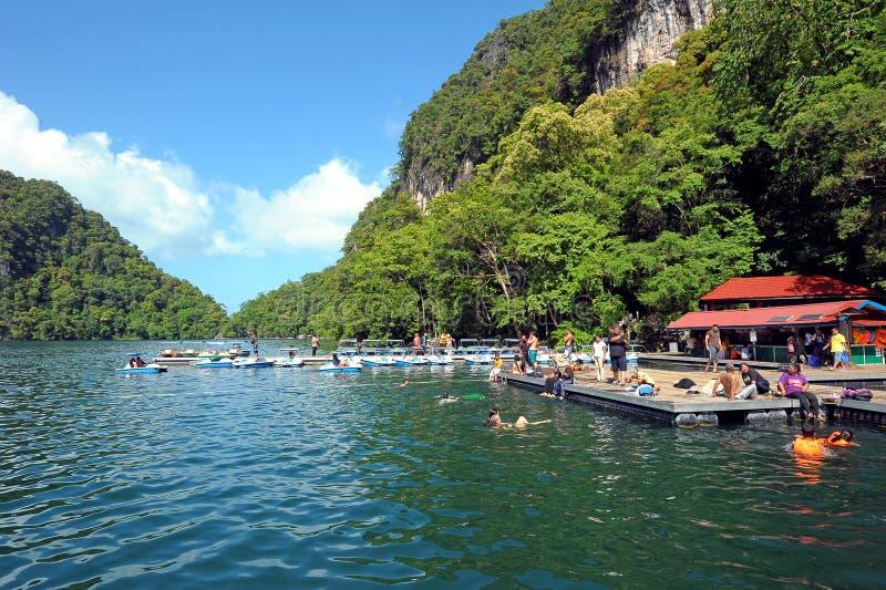 Isla de golpe ligero de Pulau Dayang fotos de archivo