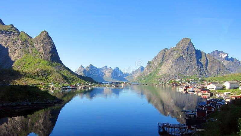 Isla de Lofoten en Noruega fotos de archivo