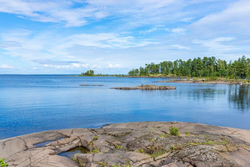 Isla de piedra de Valaam de las losas fotografía de archivo libre de regalías