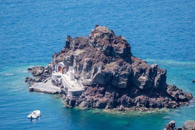 Isla de San Nicolás en Oia fotos de archivo libres de regalías