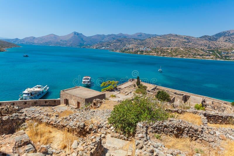 Isla de Spinalonga con la fortaleza medieval, Creta imagen de archivo