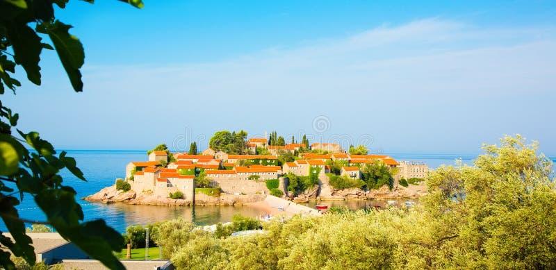Isla de St Stephen en Budva Riviera, Montenegro foto de archivo