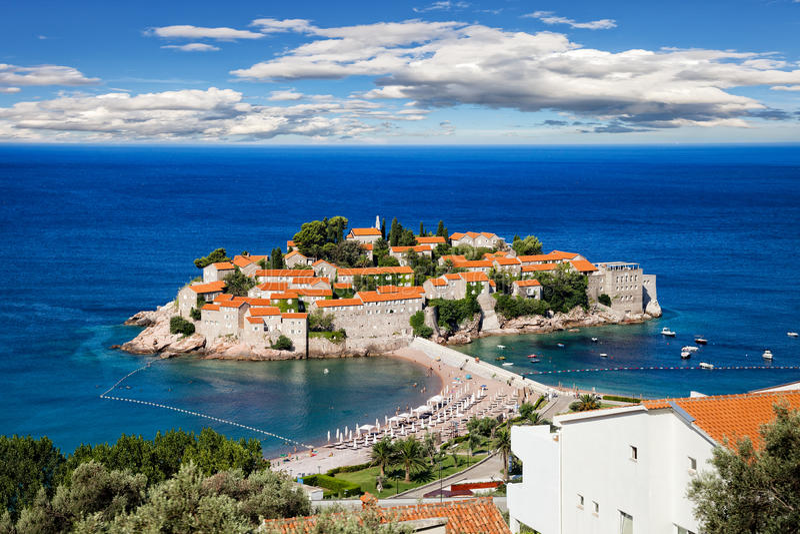 Isla de Sveti Stefan fotos de archivo