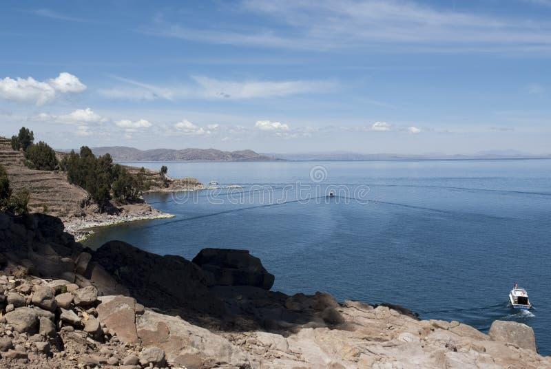 Isla de Taquile, lago Titicaca por Visión panorámica foto de archivo libre de regalías