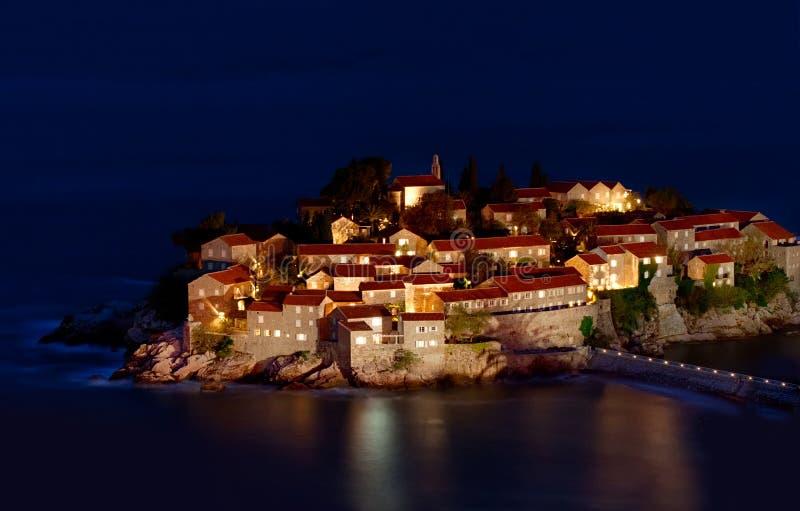 Isla de vacaciones de Sveti Stefan imágenes de archivo libres de regalías