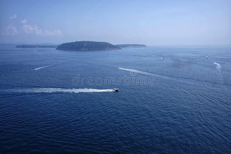 Isla de Vivara vista de los isquiones foto de archivo libre de regalías