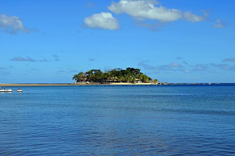 Isla del escondite cerca de la isla de Efate, Vanuatu imagen de archivo