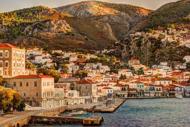 Isla del Hydra en un día de verano en Grecia fotos de archivo