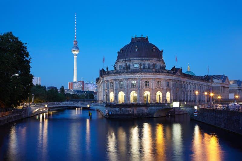 Isla del museo en el río de la juerga, Berlín fotos de archivo