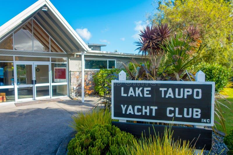 ISLA DEL NORTE, NUEVO SELANDIA 18 DE MAYO DE 2017: Club en el área del norte de la isla, Nueva Zelanda de Yatch foto de archivo libre de regalías