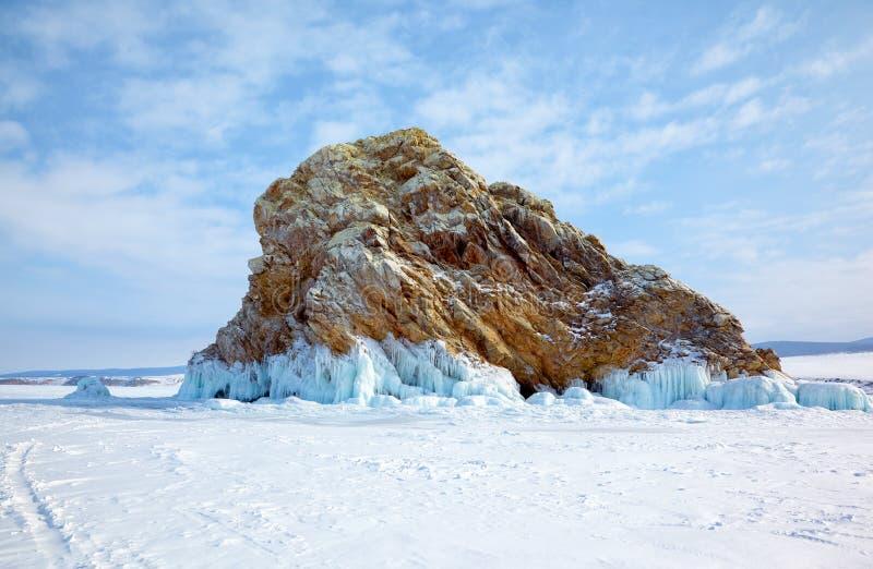 Isla Edor en mar del paso del lago Baikal el pequeño fotografía de archivo libre de regalías