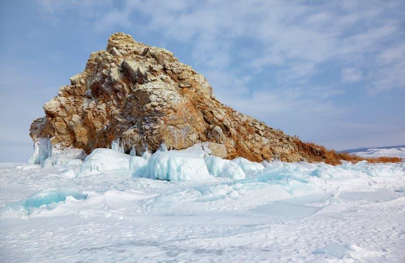 Isla Edor en mar del paso del lago Baikal el pequeño imágenes de archivo libres de regalías