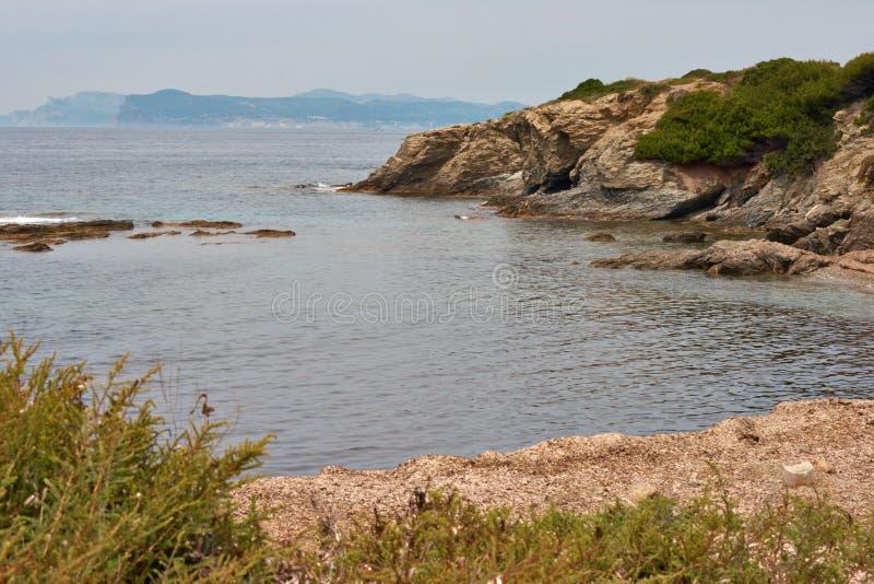 Isla en el mar imagenes de archivo