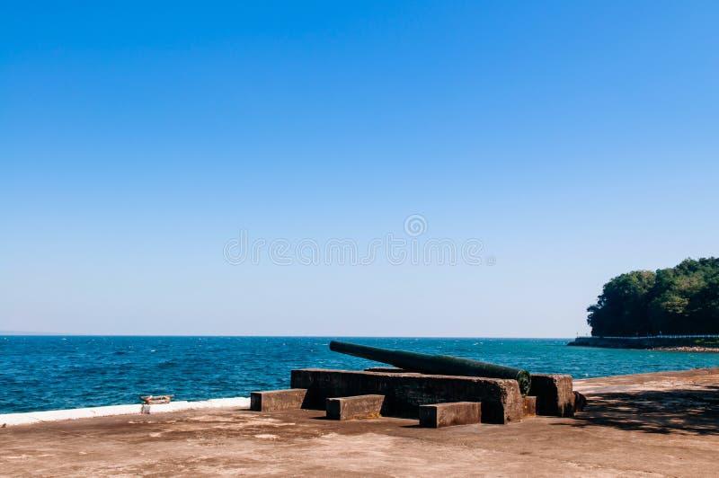 Isla histórica de Corregidor del cañón del ejército del monumento de guerra del Pacífico, Manila, Filipinas imagenes de archivo