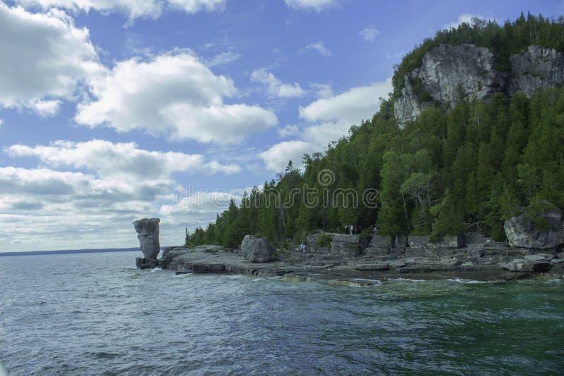 Isla inminente de la maceta en Sunny Day fotografía de archivo