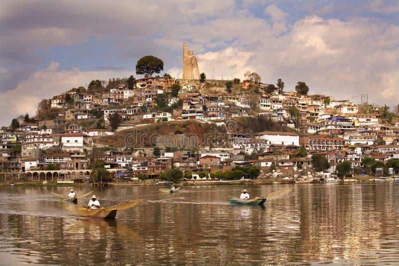 Isla México de Janitizo de la mañana de las redes de los pescadores imagen de archivo libre de regalías