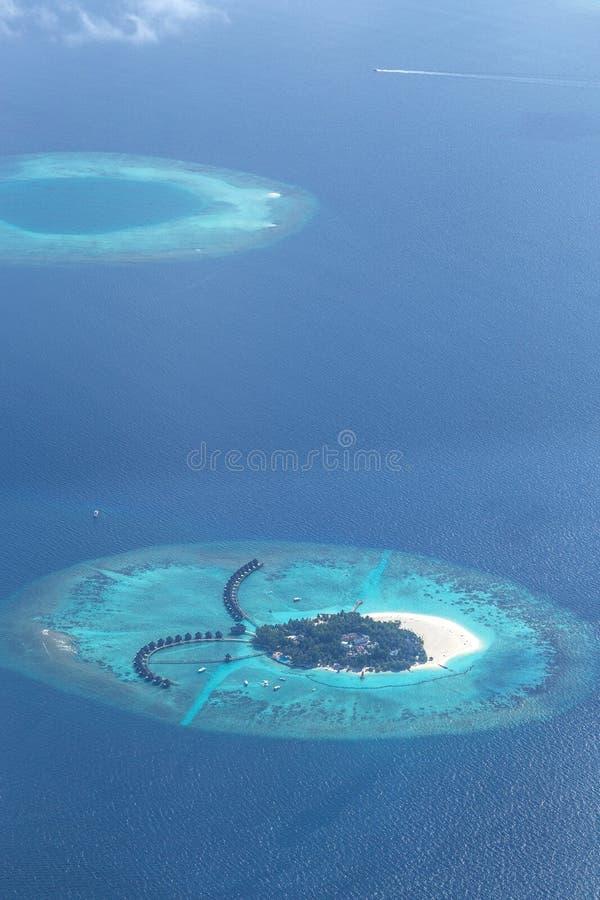 Isla Maldivas del atolón del aire fotos de archivo