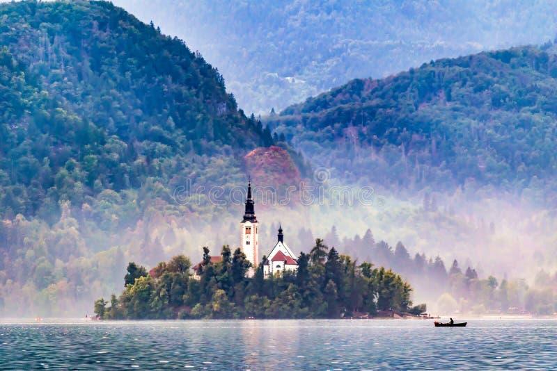 Isla media del lago sangrado en otoño fotos de archivo libres de regalías