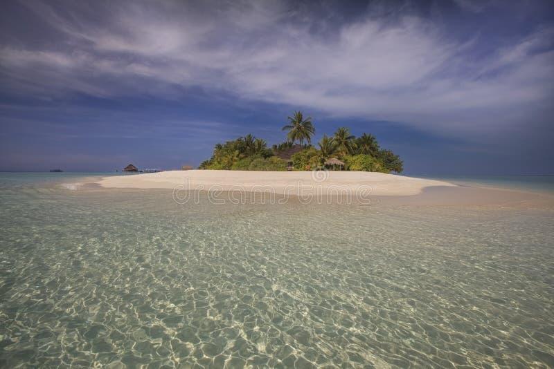 Isla minúscula hermosa. El Océano Índico. Maldivas. imagenes de archivo