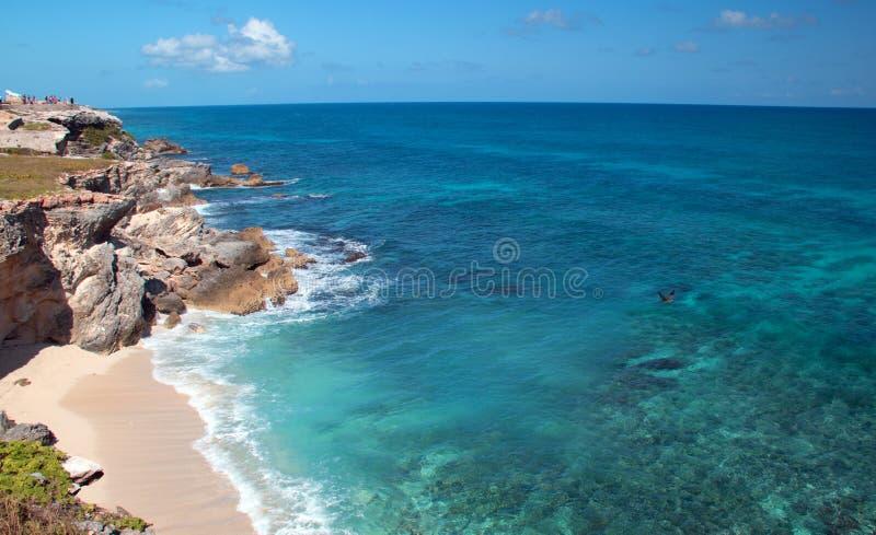 Isla Mujeres Acantilado Amanecer (klippa av gryningen) Punta Sur across från Cancun Mexico royaltyfri bild