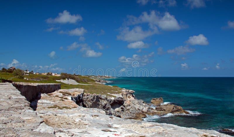 Isla Mujeres Acantilado Amanecer (Klippe der Dämmerung) Punta Sur herüber von Cancun Mexiko lizenzfreie stockfotografie