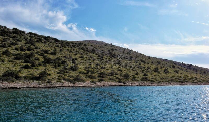 Isla natural en parque nacional del kornati en Croacia fotos de archivo libres de regalías