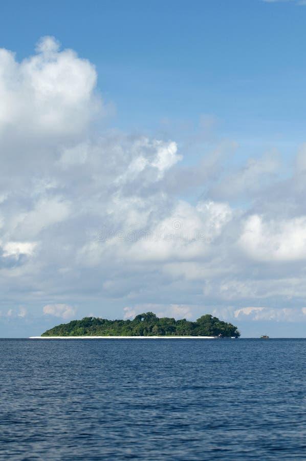 Isla sipadan tropical foto de archivo libre de regalías