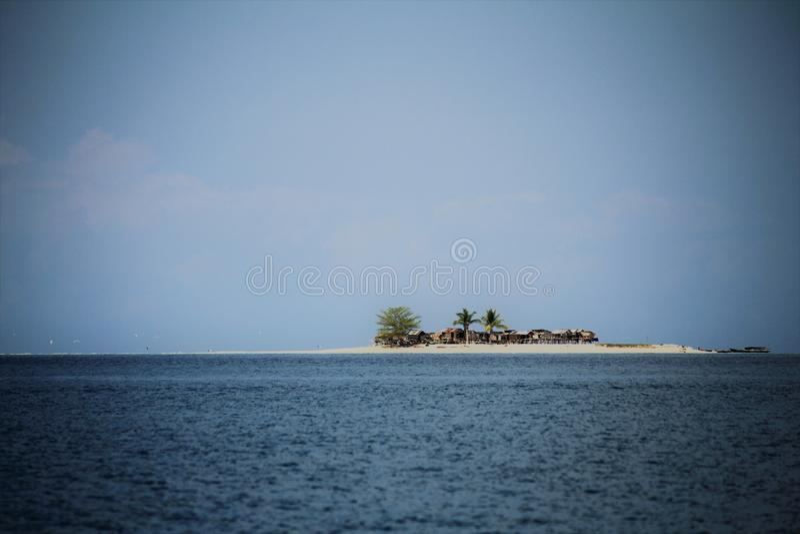 Isla situada en el área perfecta Sabah fotografía de archivo libre de regalías
