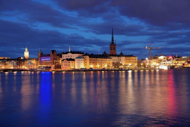 Isla y Gamla Stan de Riddarholmen en Estocolmo imagenes de archivo
