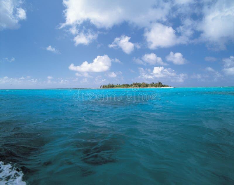 Isla y mar foto de archivo