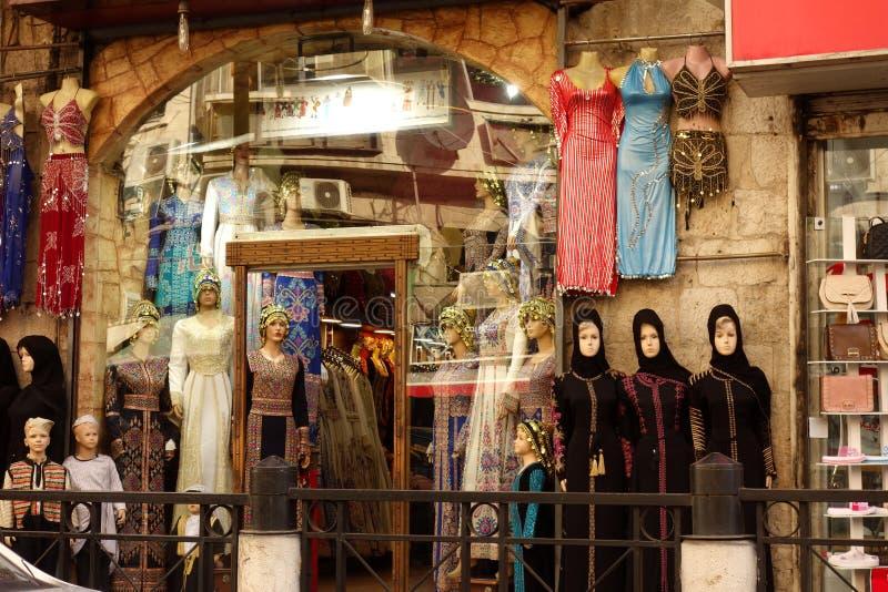 Islamgeschäft in Amman stockbilder