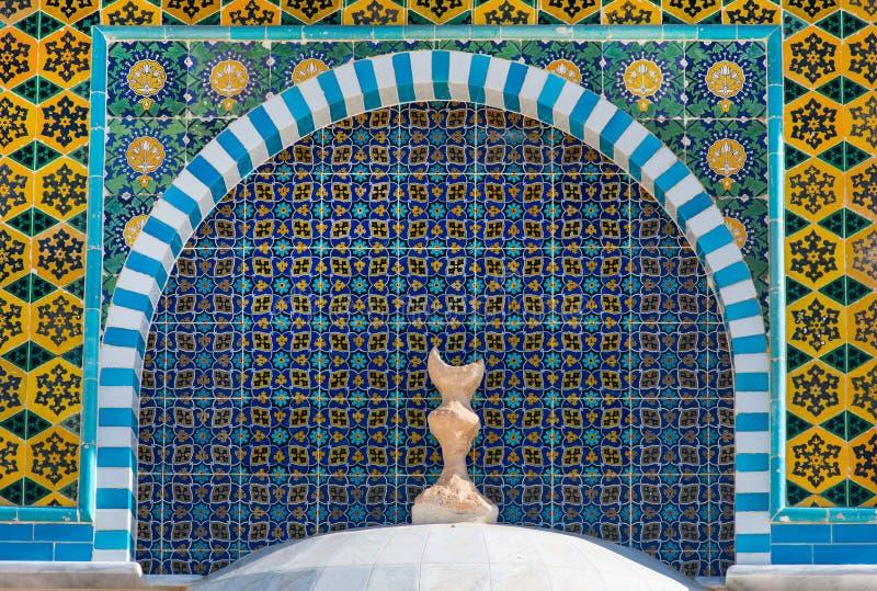 Islamitisch patroon, tegelmozaïek op moskee royalty-vrije stock afbeelding
