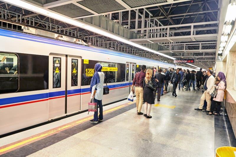 Islamska republika Iran, metro kareciany dla kobiet tylko, Teheran zdjęcia stock
