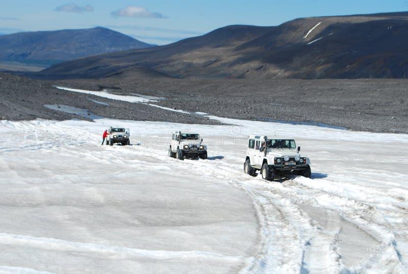 Island - av vägen på glaciären royaltyfri bild