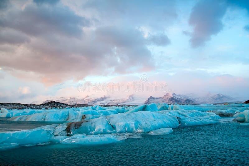 Island isberg fotografering för bildbyråer