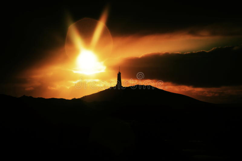 Island-Leuchtturm an der Dämmerung lizenzfreie stockfotos