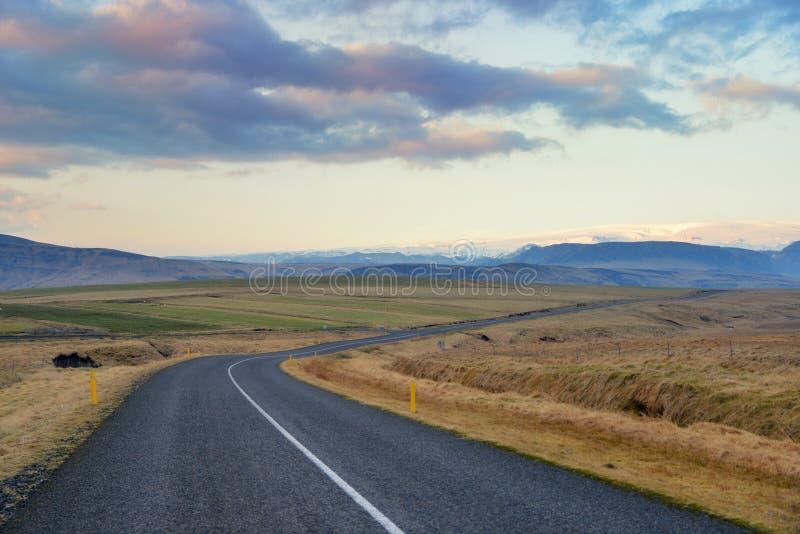 Island och vägtur arkivfoton