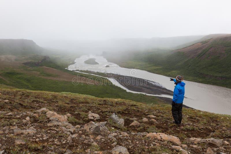 Island som fotvandrar, affärsföretagbegrepp arkivfoton