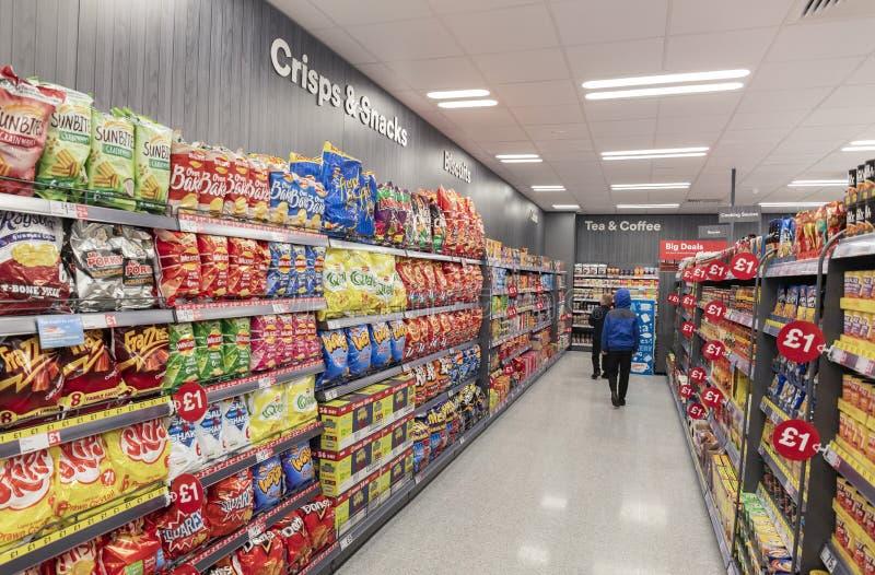 Island-Supermarkt jetzt offen an Fox-Tal in Sheffield lizenzfreie stockbilder