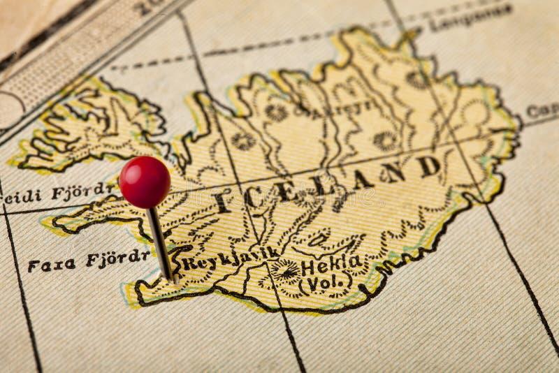 Islandia y Reykjavik en un mapa del vintage imagenes de archivo